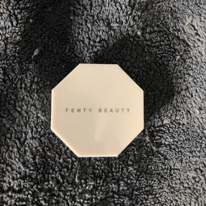 "Fenty Beauty mini ""Hu$tla baby"" highlighter"